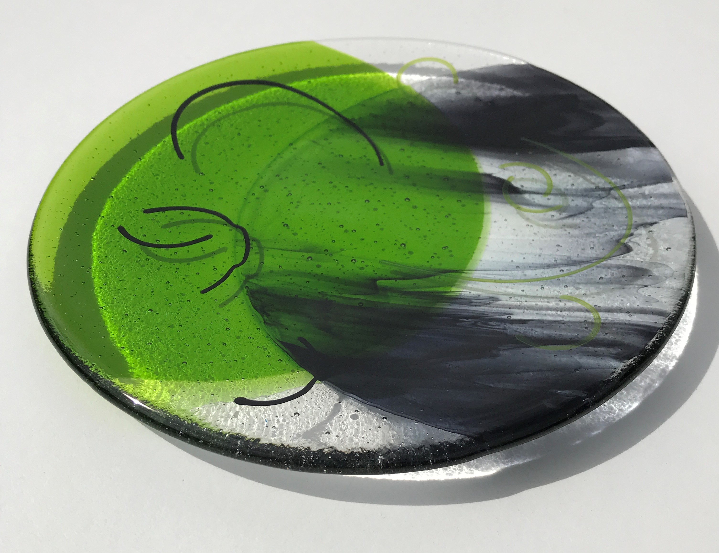 Fusing Ideas Glass Green & Black plate